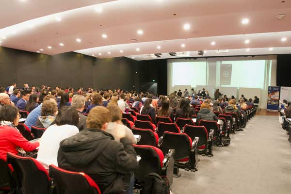 The crowd of students in the lecture theatre listening to presentations for the Problem Solving competition